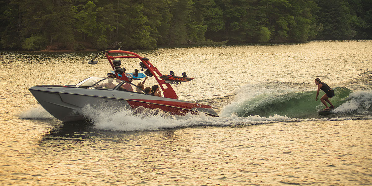 How to Make a Perfect Wake or Wave Behind your Malibu Boat