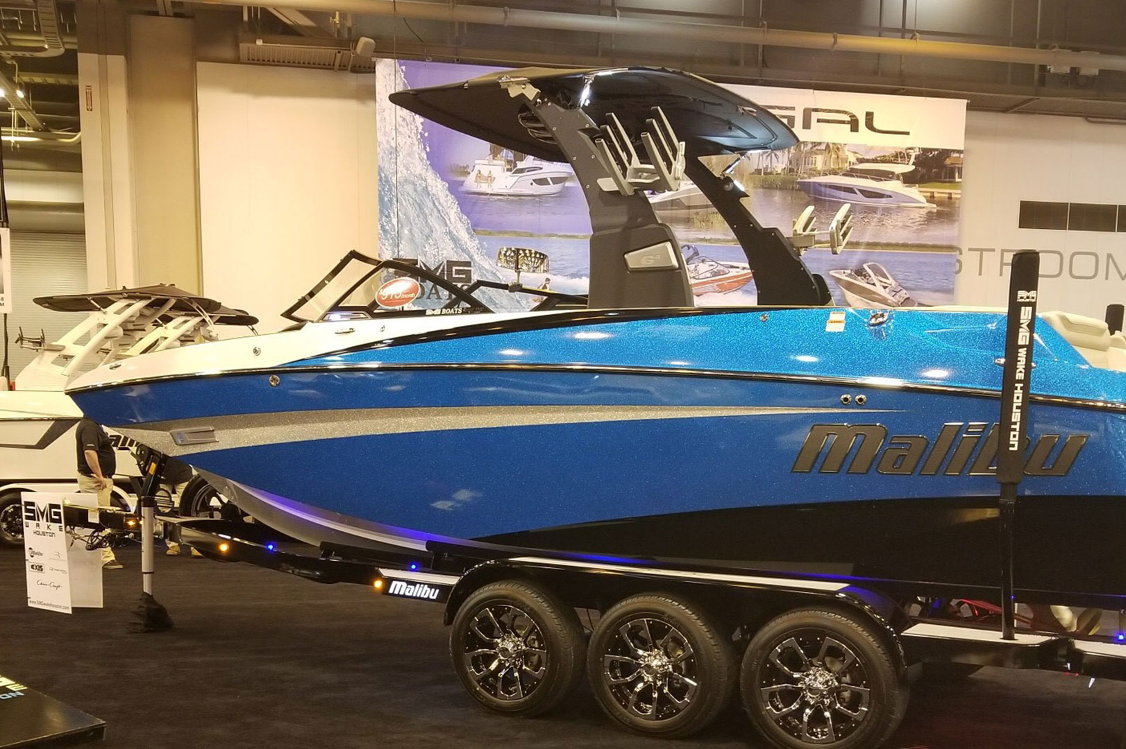 SMG Wake Shines at Houston Boat Show