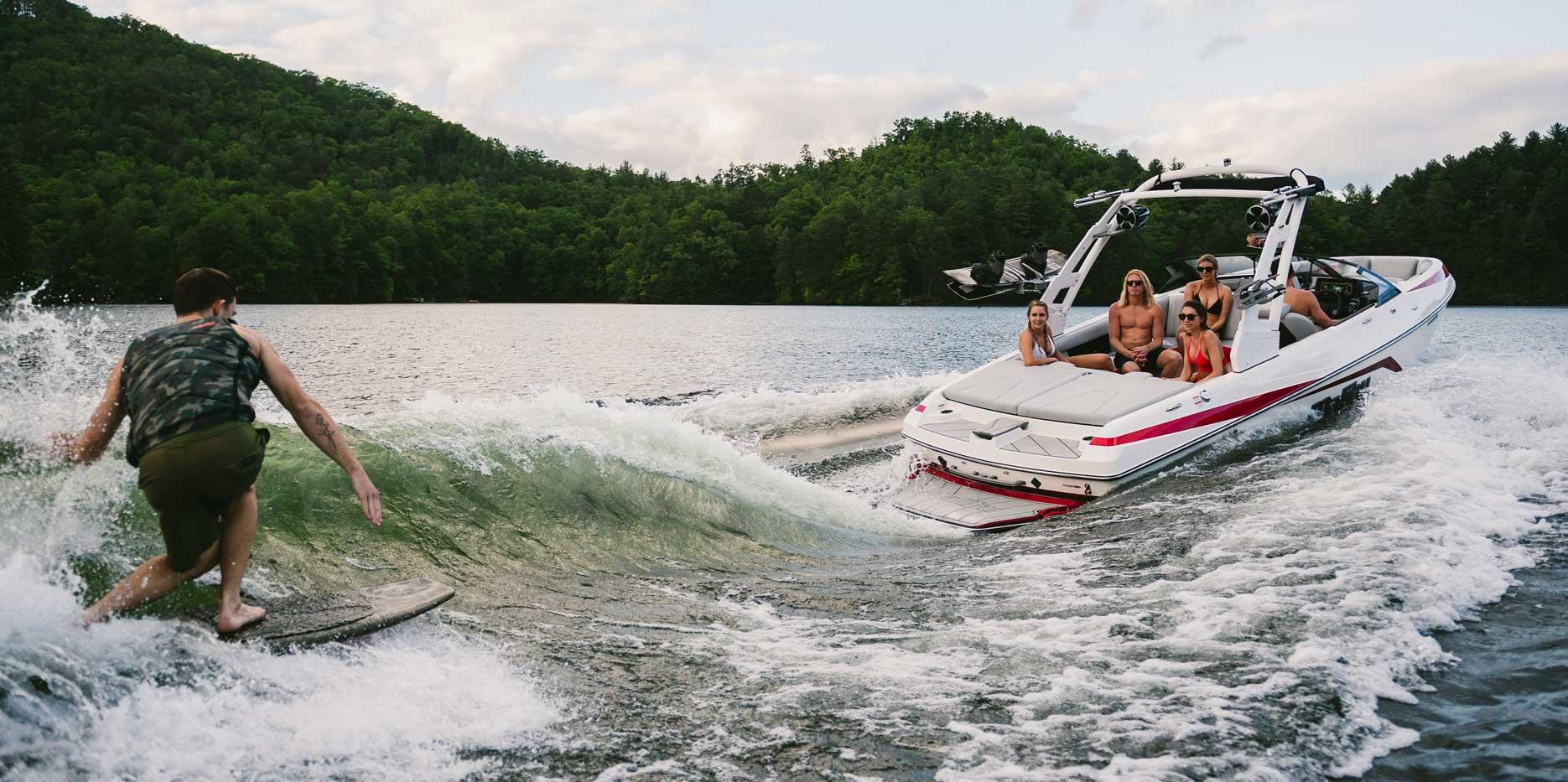 Malibu Boats 21 VLX Wakesurf boat