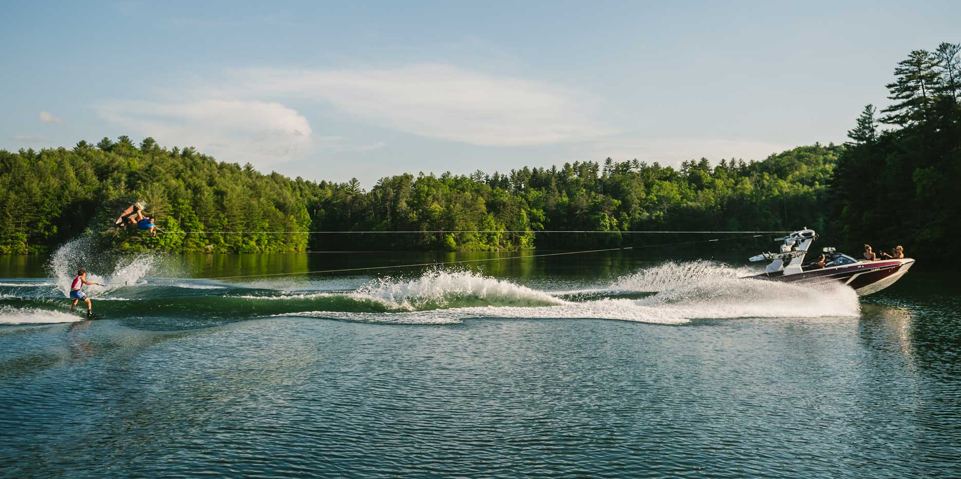 The ultimate set up for wakeboarding, wakesurfing and wakeskating behind the 22 LSV.
