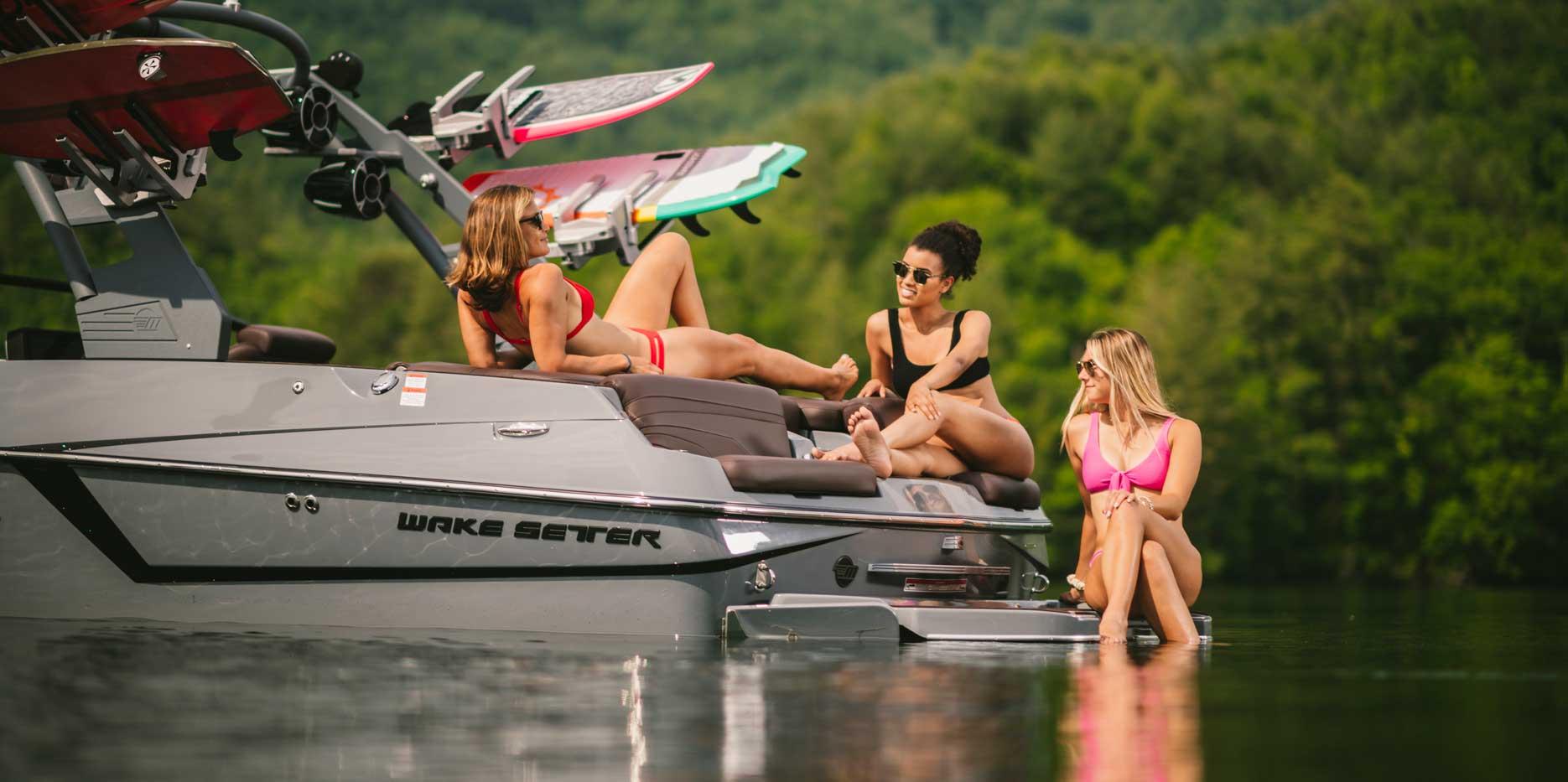Malibu Boats 22 MXZ rear sunpad