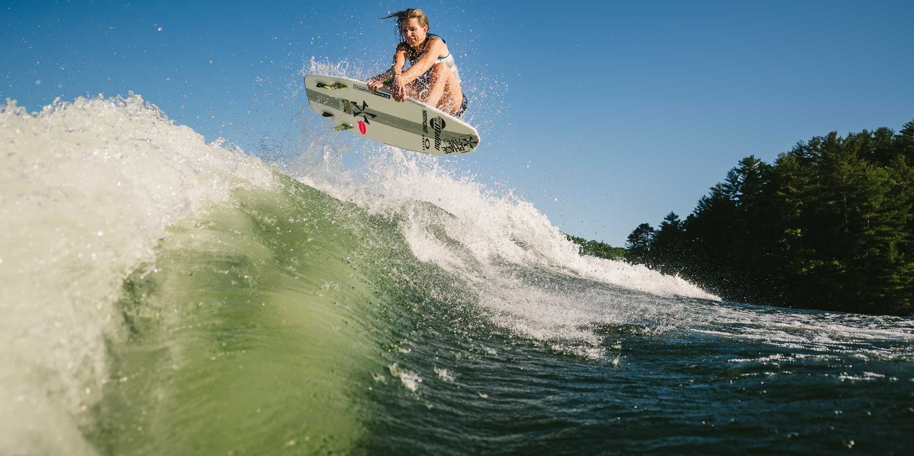Wakesurf air on the 25 LSV wave