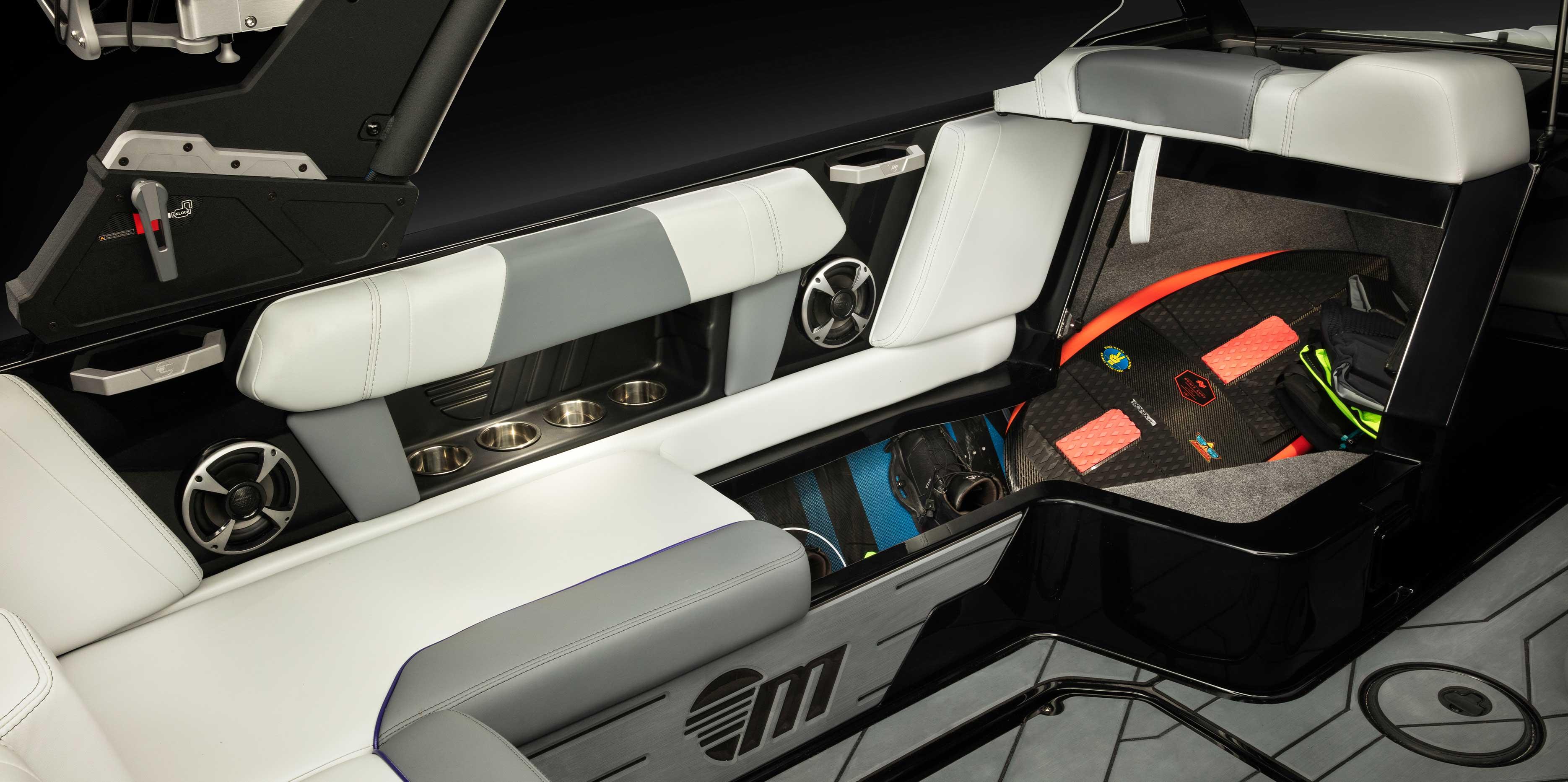 2021 Malibu Wakesetter 21 MLX Interior Storage