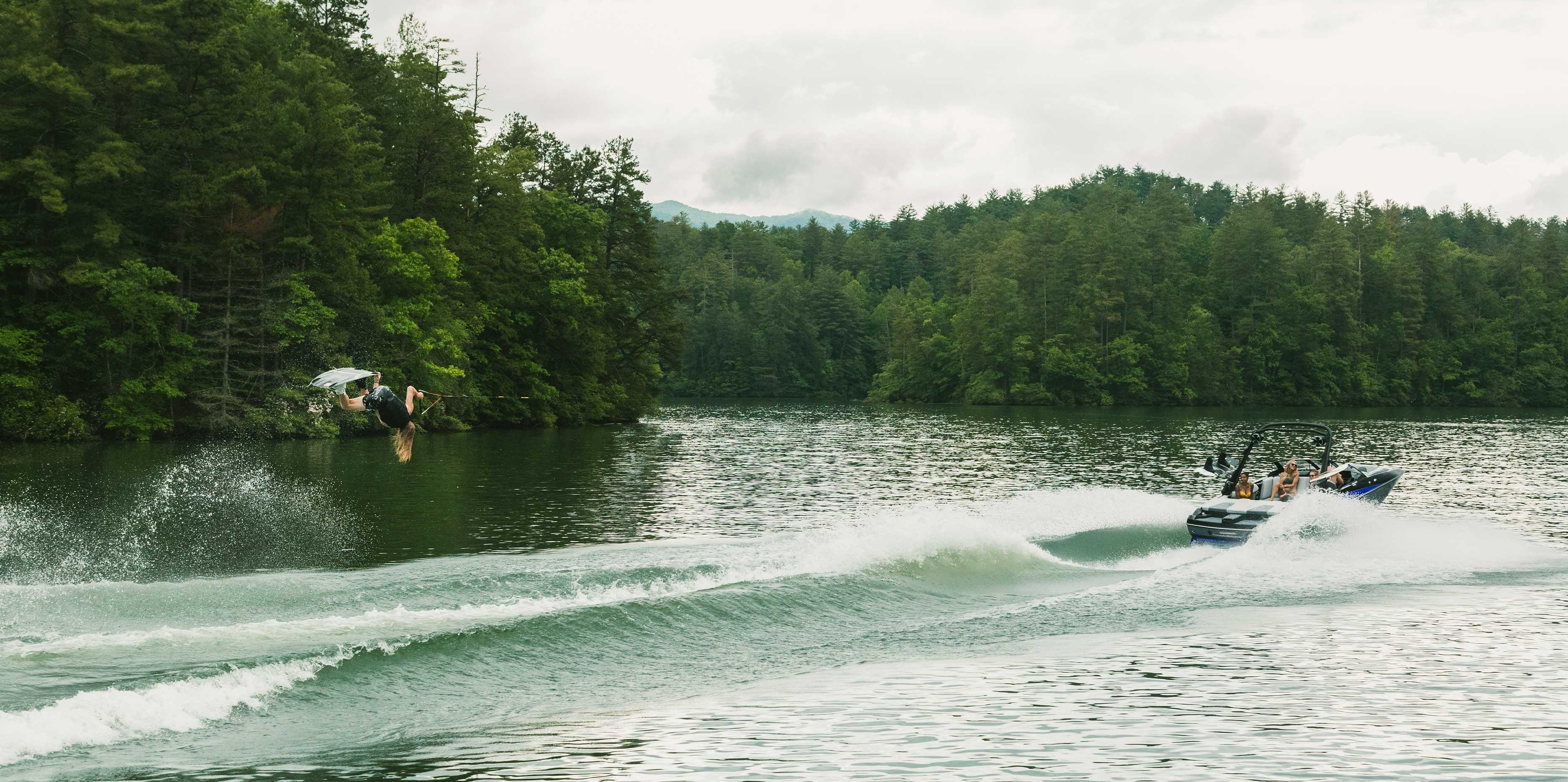 2021 Malibu Wakesetter 21 MLX Wakeboarding