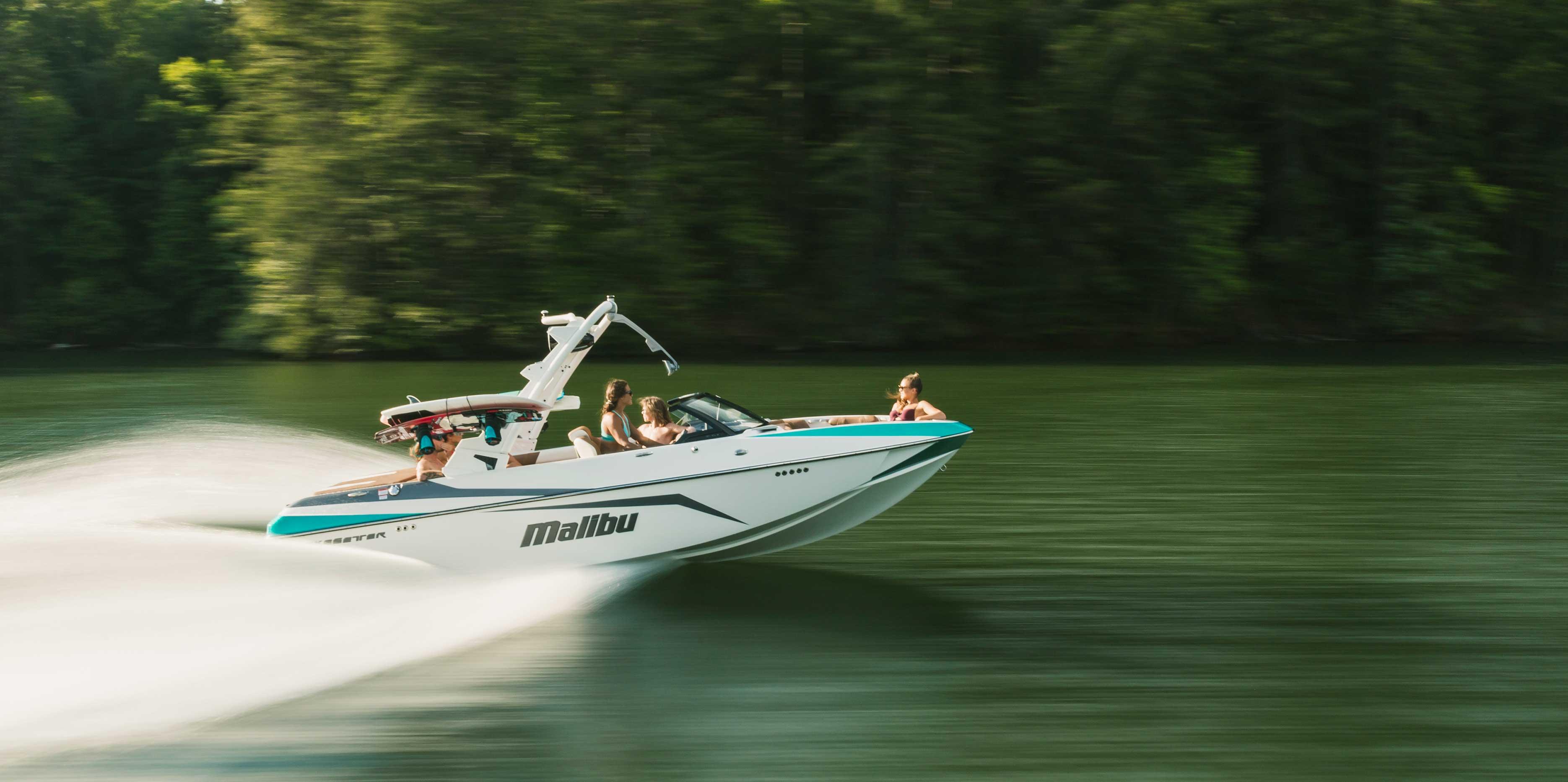 2021 Malibu Boats Wakesetter 21 VLX running