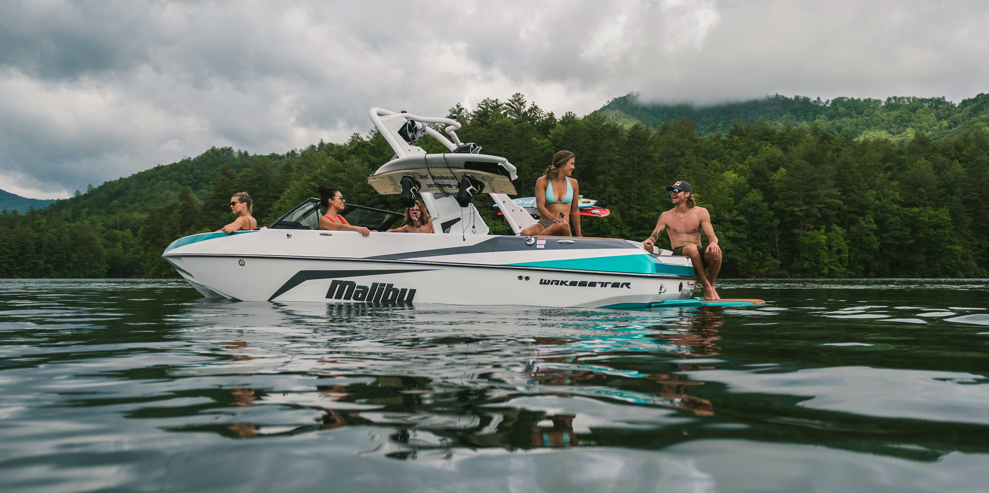 2021 Malibu Boats Wakesetter 21 VLX boat