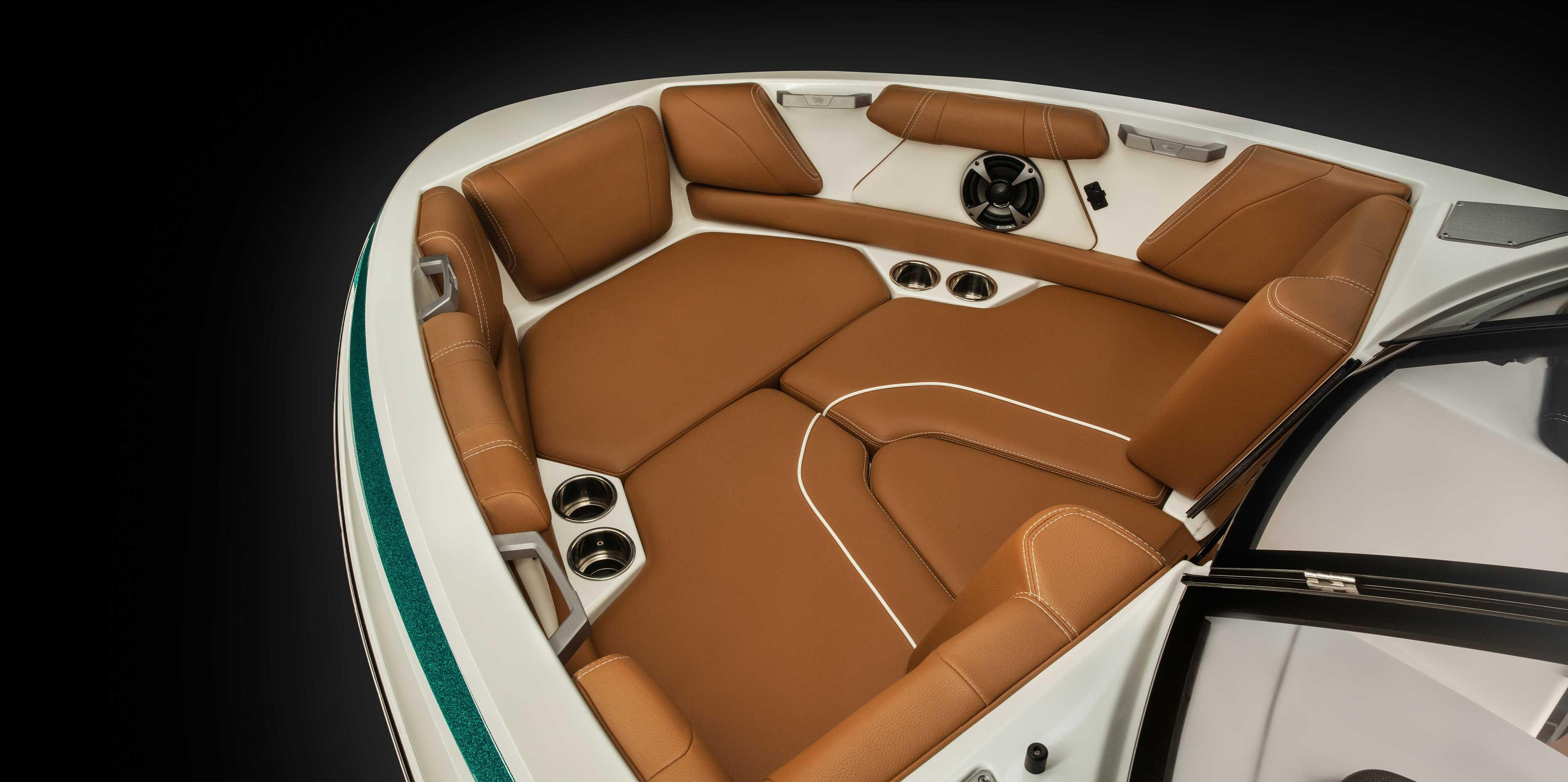 2021 Malibu Boats Wakesetter 21 VLX bow