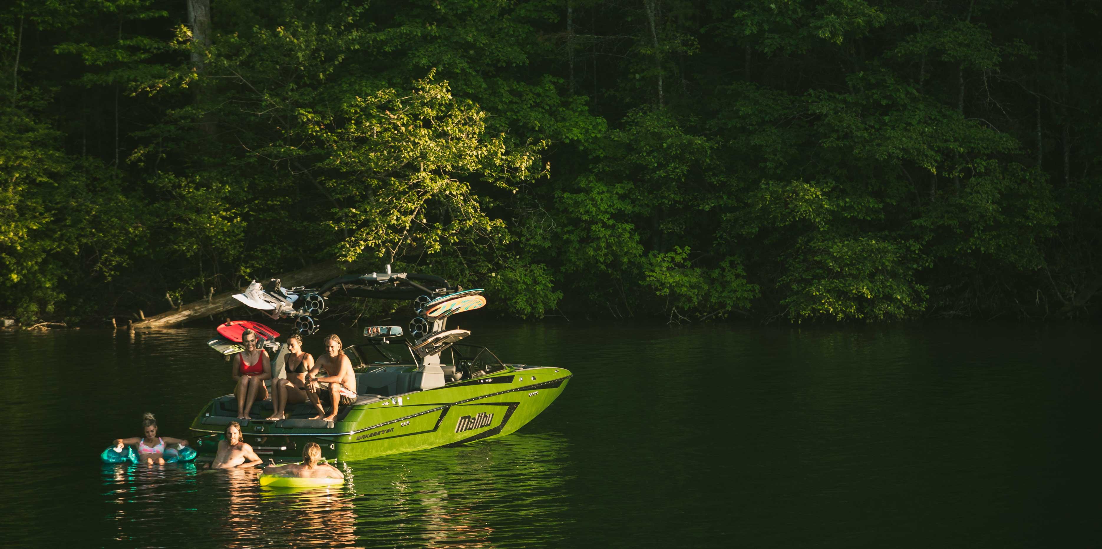 Malibu Boats 23 MXZ floating
