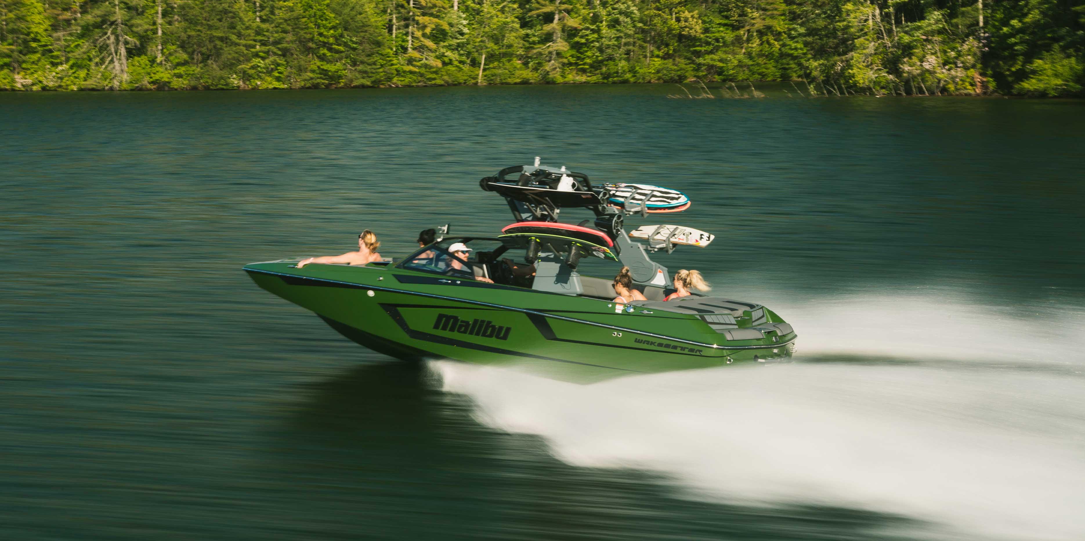Malibu 23 MXZ Cruising