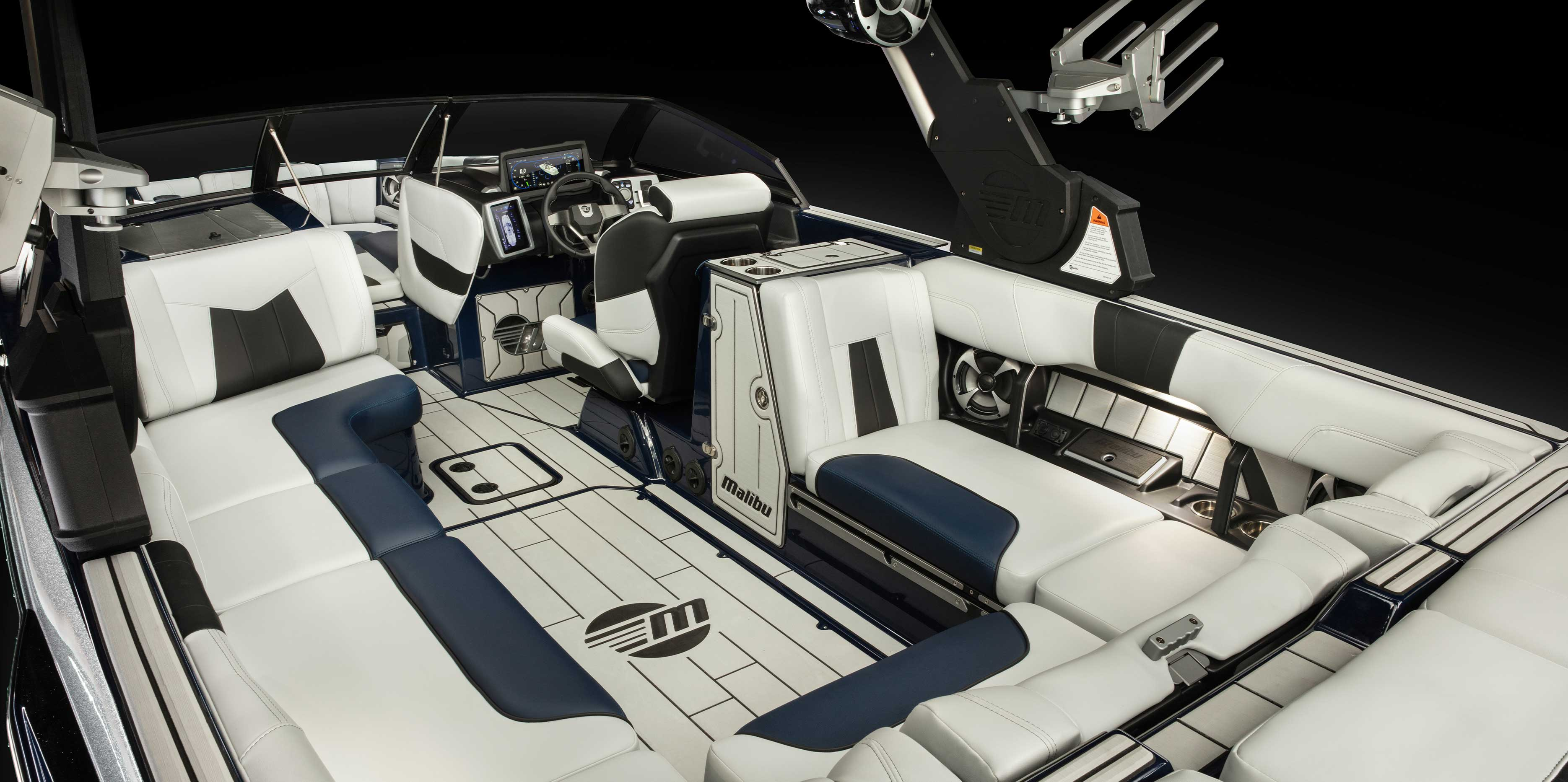 Malibu 24 MXZ interior layout
