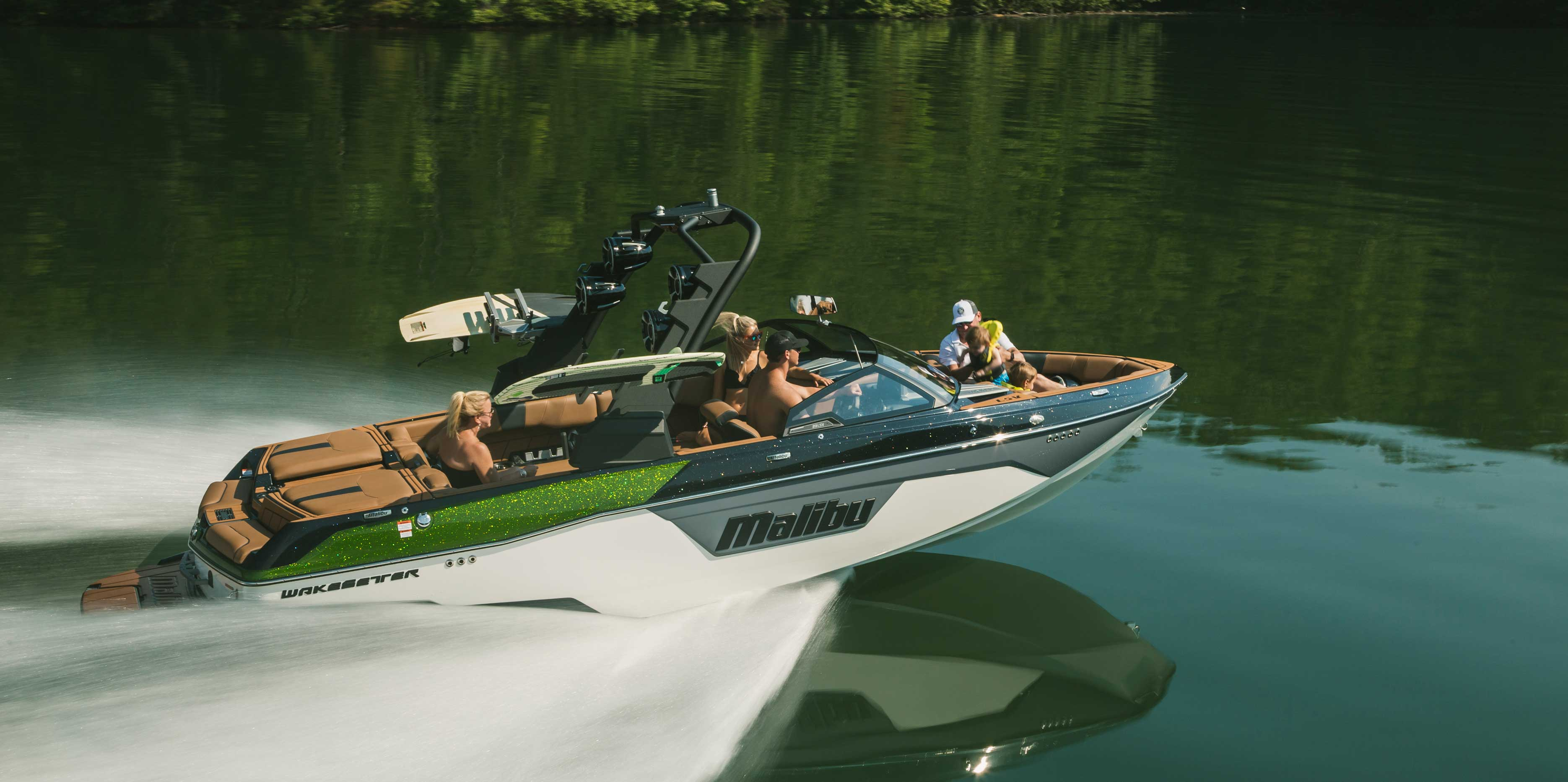 Malibu 23 LSV is Wakesurfing and Wakeboarding Boat of the Year