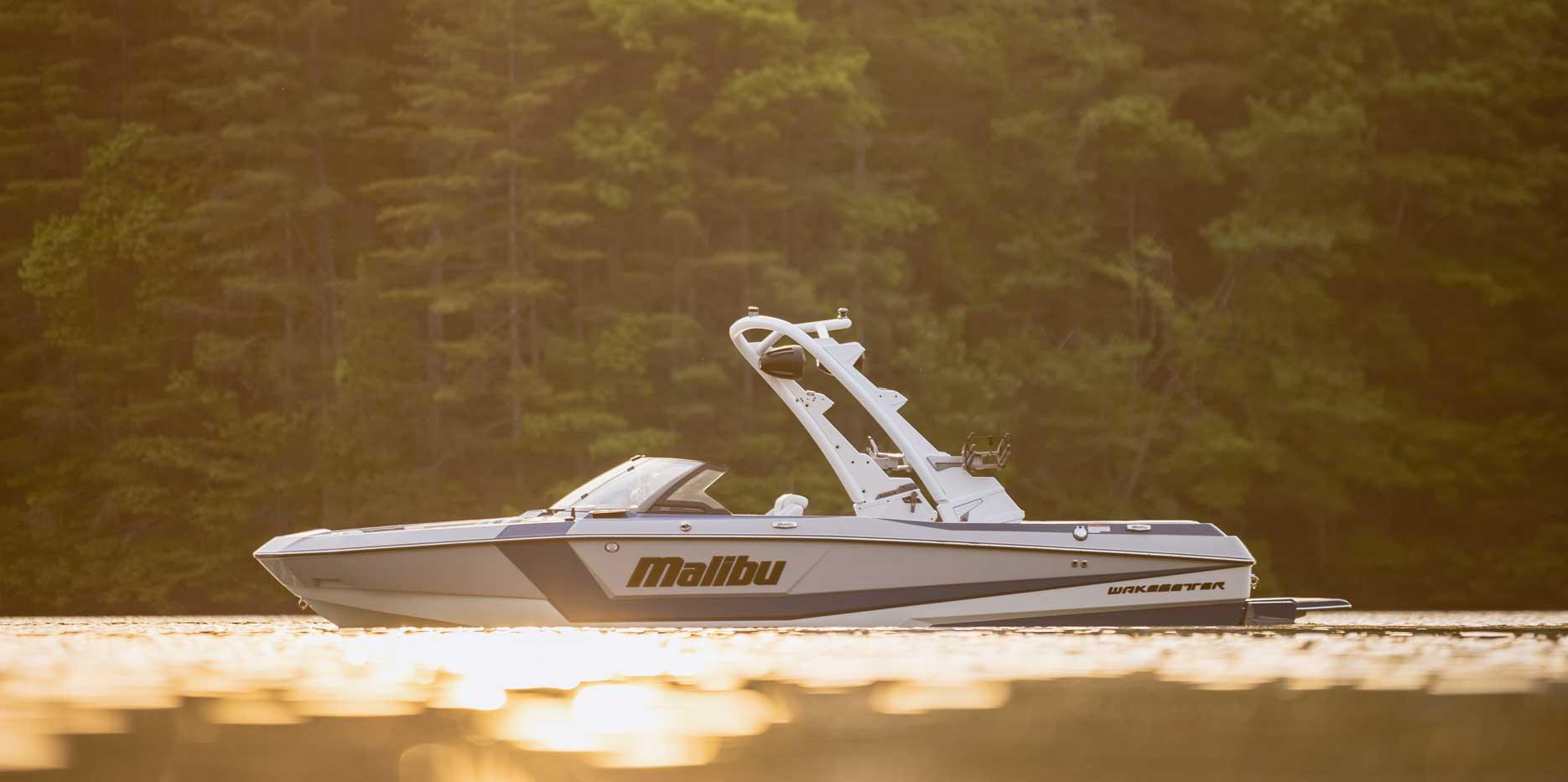 2022 Malibu Boats Wakesetter 21 LX Deisgn