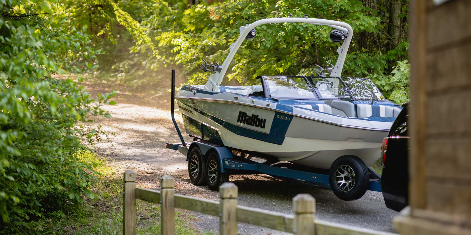 2022 Malibu Boats Wakesetter 21 LX Trailer