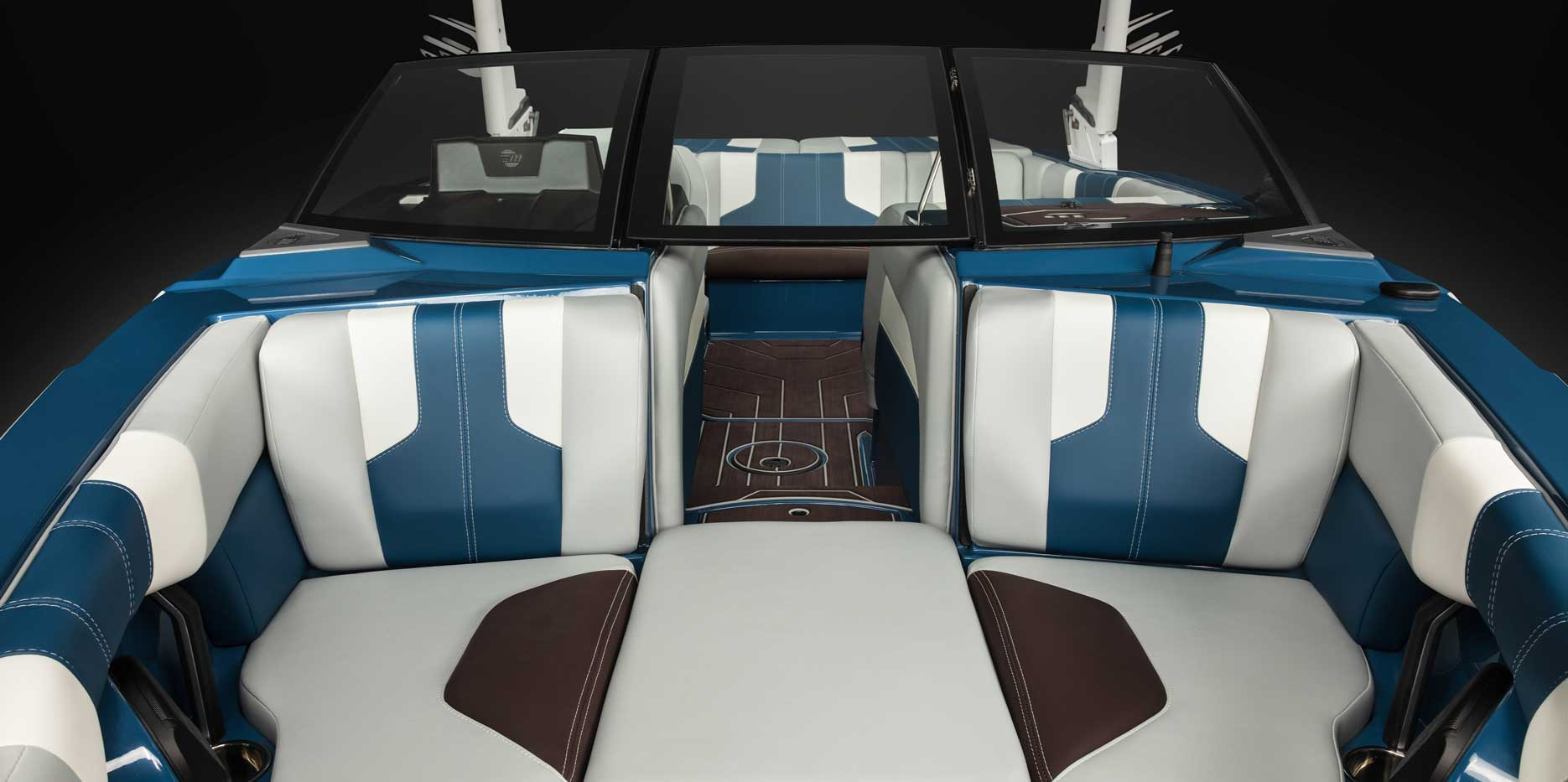2022 Malibu Boats Wakesetter 21 LX Bow
