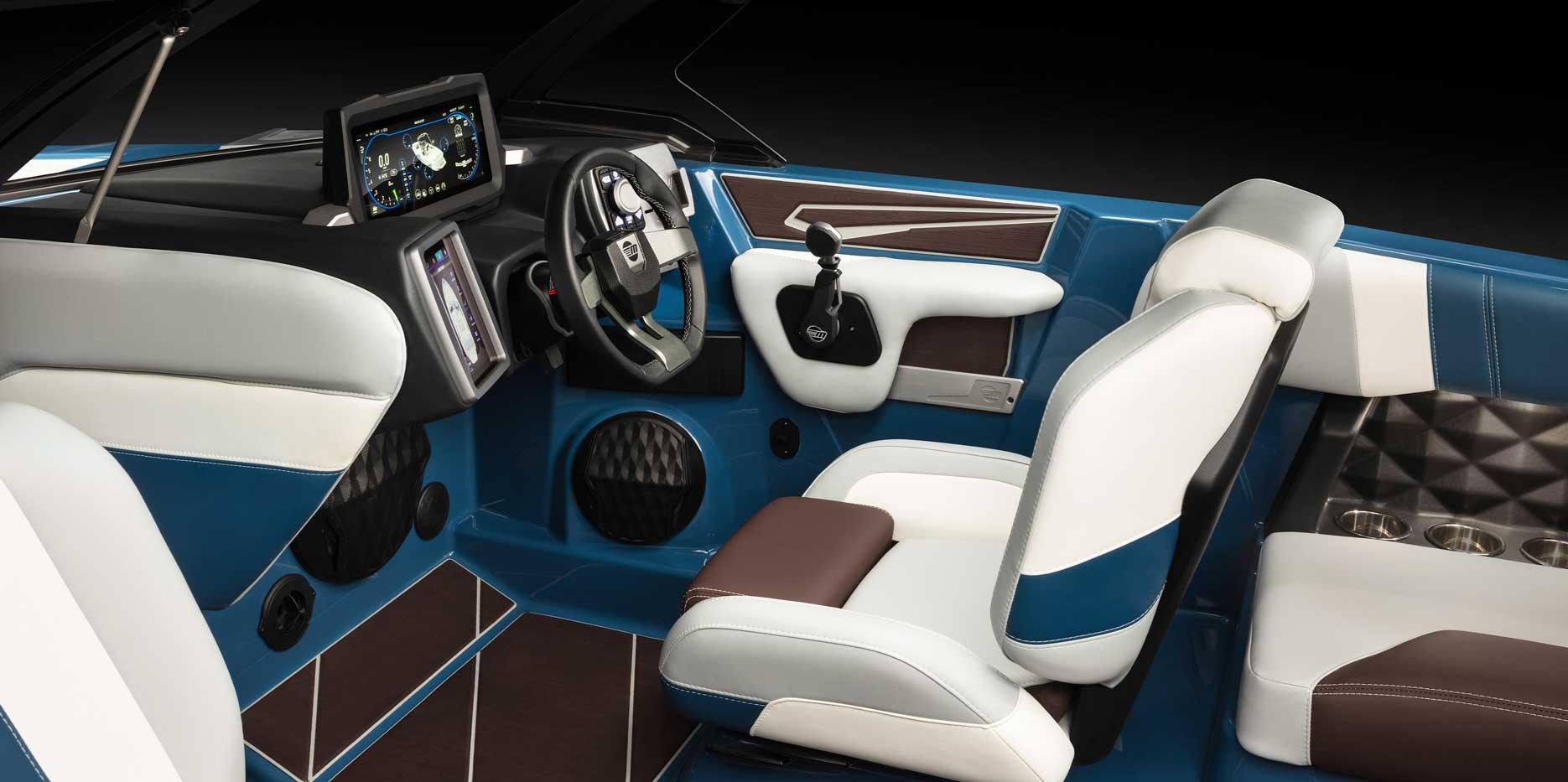 2022 Malibu Boats Wakesetter 21 LX Helm