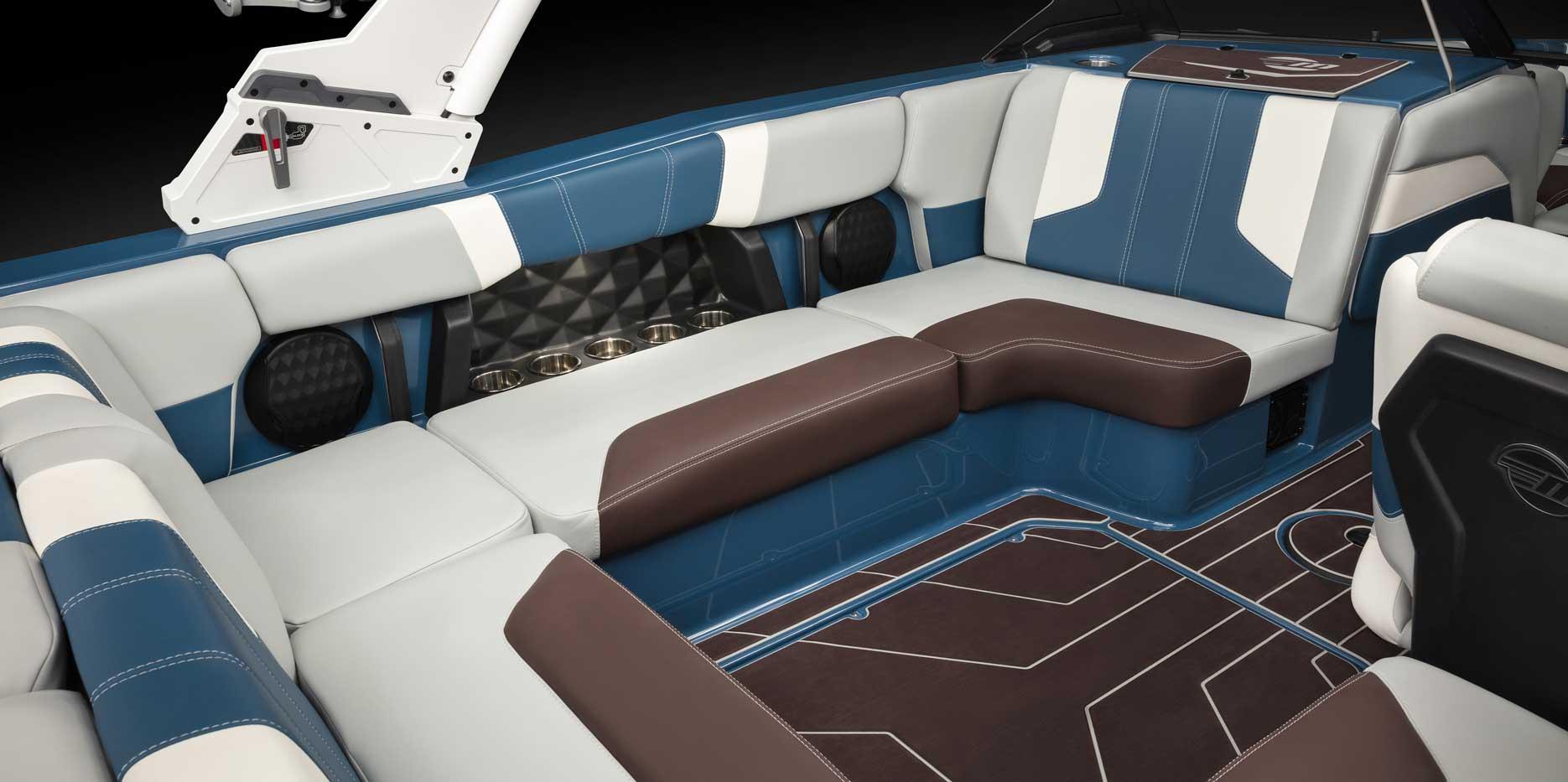 2022 Malibu Boats Wakesetter 21 LX Lounge