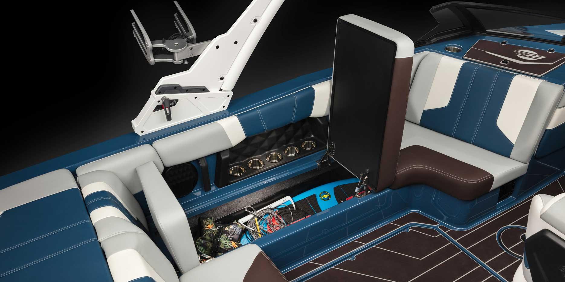 2022 Malibu Boats Wakesetter 21 LX Storage
