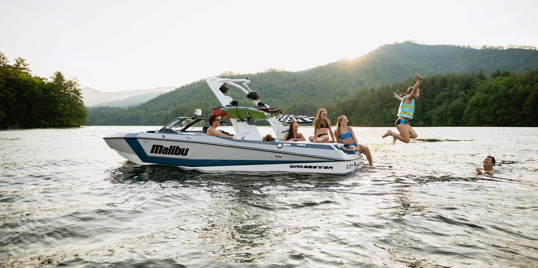 2022 Malibu Boats Wakesetter 21 LX Lifestyle