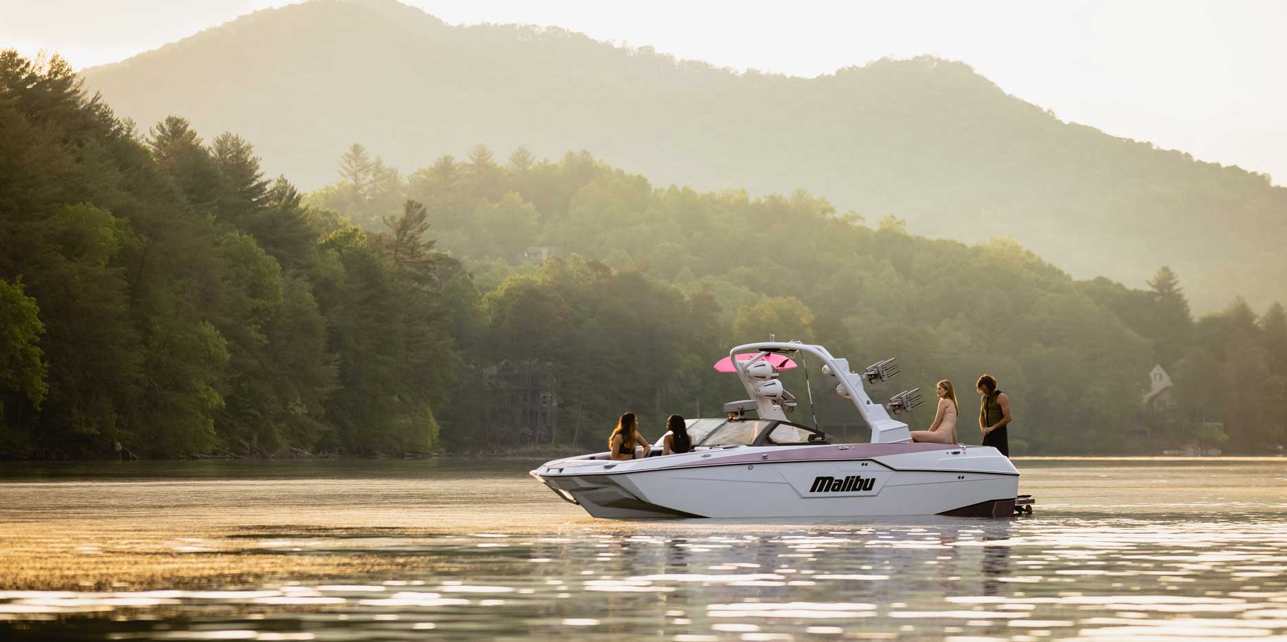 The most luxurious towboat in the world, Malibu Boats M240