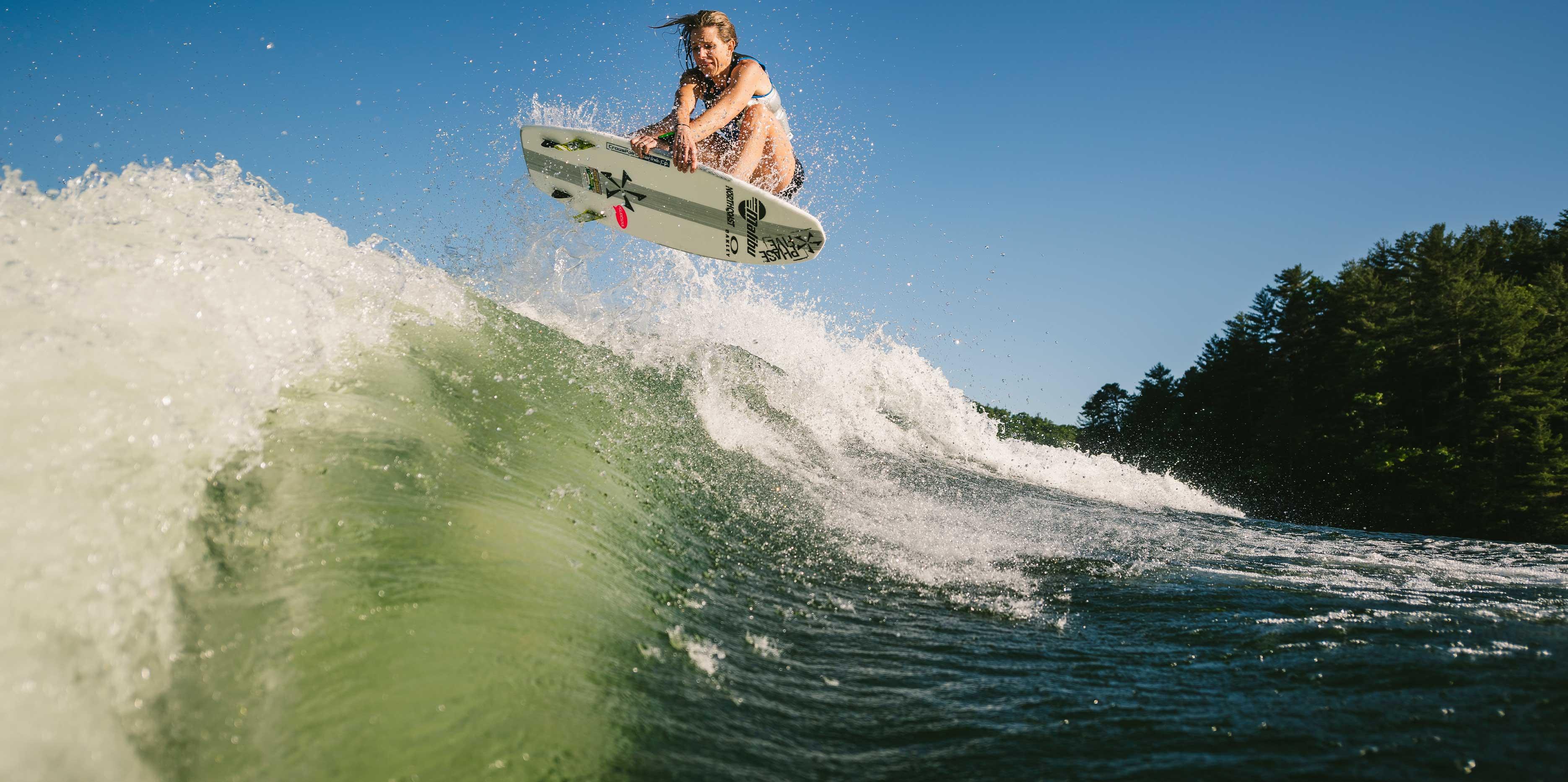Wakesurfing behind the 25 LSV