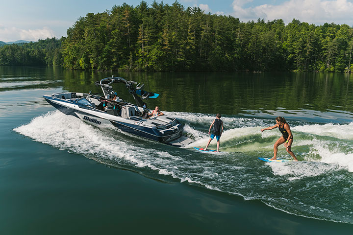 Malibu Boats Year End Sales Event, Wakesurfing